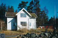 Johan Gustaf Olsson f 1862, stenarbetare, Simpnäs. Från Söderbykarl. Barn Johan Oskar f 1890, Matilda Mariana f 1892, Karin Matilda f 1902